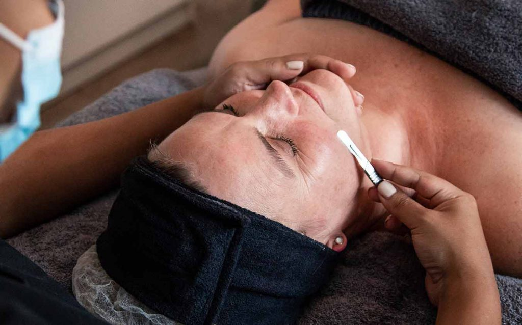 Dermaplaning facial treatment
